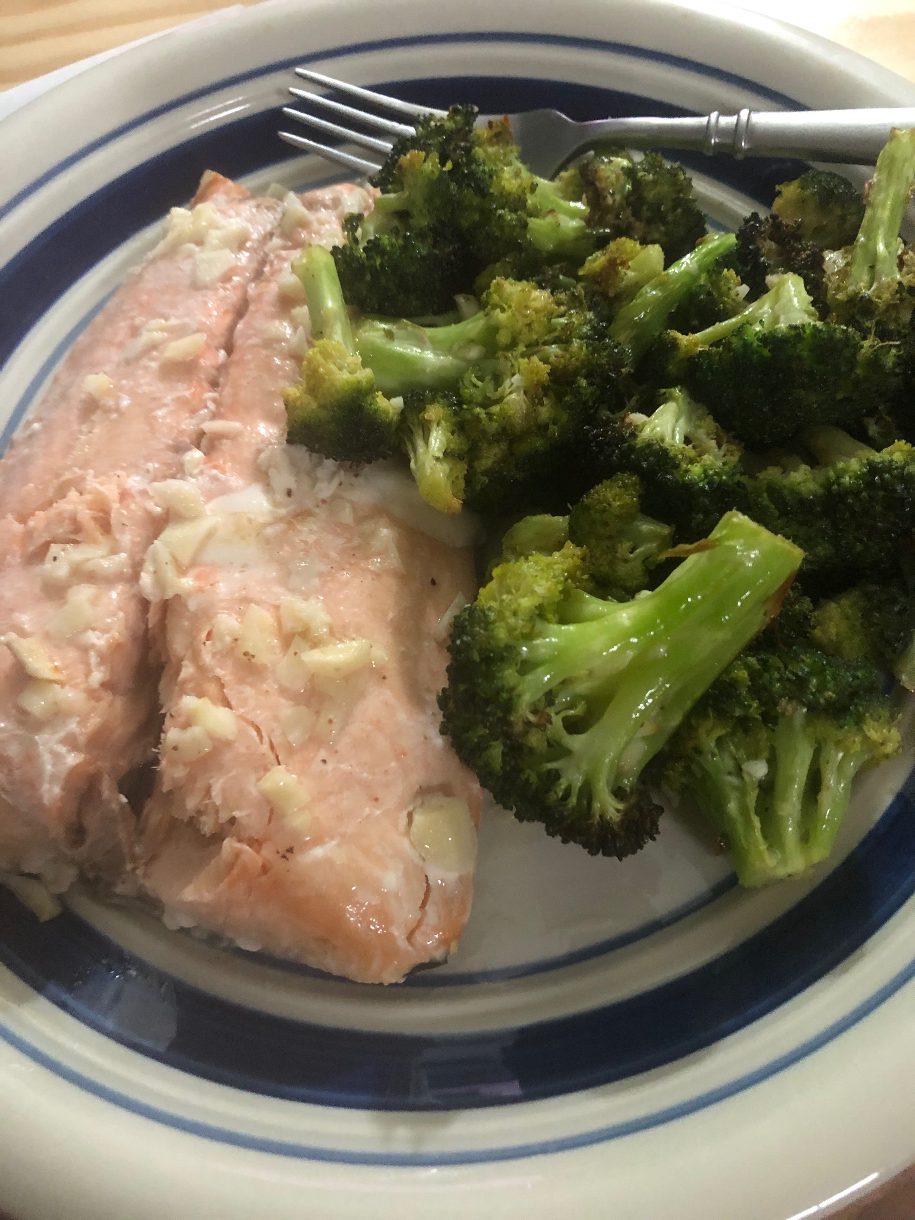 Salmon with air fried broccoli